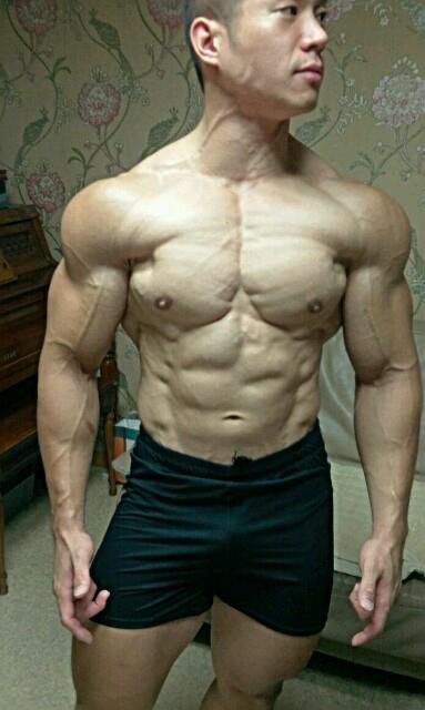 japan naked bodybuilder men