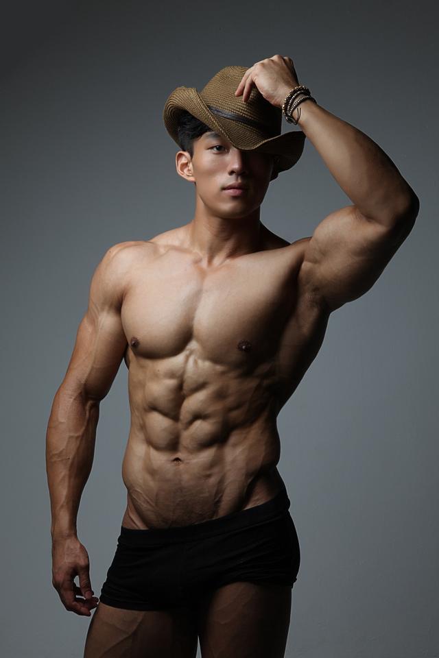 Korea Muscle Boy