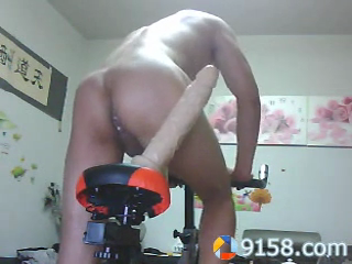 chinese-tattoo-hunk-riding-dildo-bike-at-home-08.png
