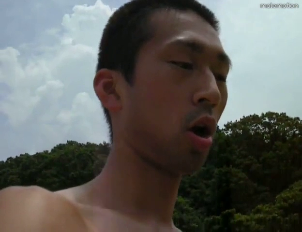 japanese-hottie-outdoor-wank-06.png