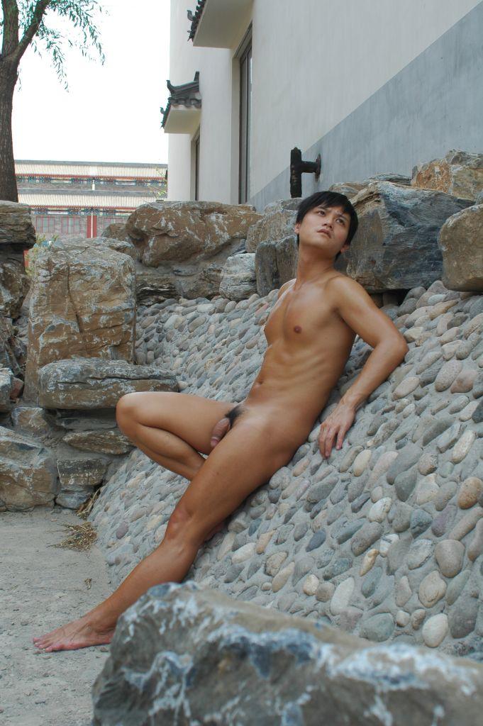 naked-140317-02.jpg