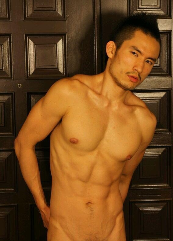 Naked Japanese Hunk - QueerClick