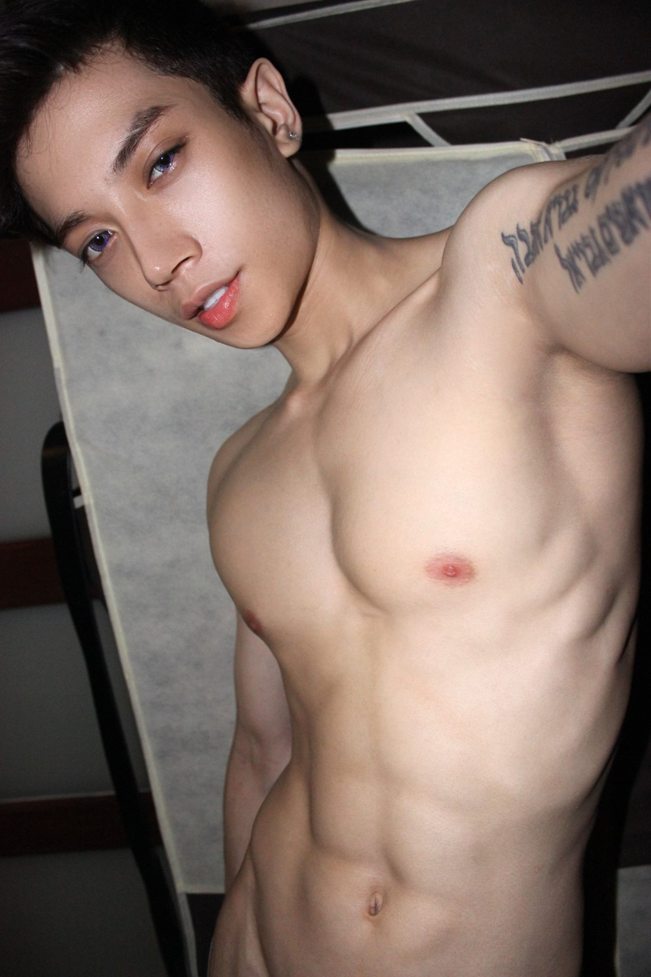 image Asian cutie serviced by gay guys