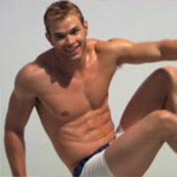 <em>Twilight's</em> Kellan Lutz Appears in CK Undie Ad