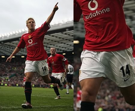 Alan Smith from Manchester United shows us his winning bulge!