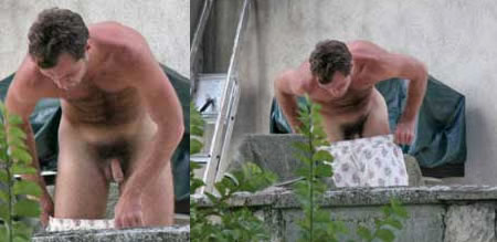 More of Jude Law in the buff!