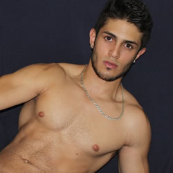 flirt4free-julian-chase-th