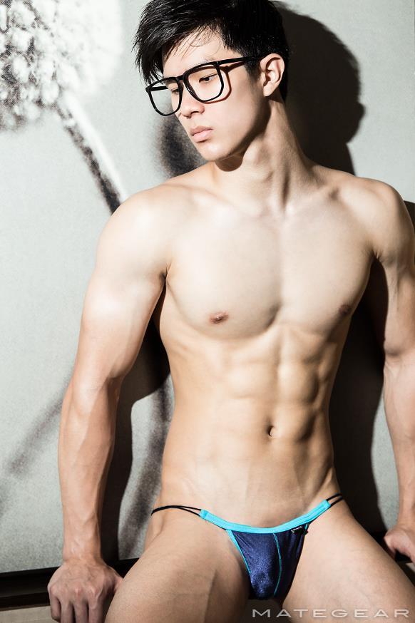 cute nude guy models