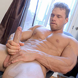 maskurbate-at-home-with-brad-1-1-tn