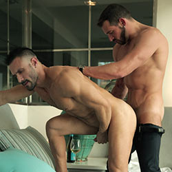MenAtPlay: Tracked – Flex and Enzo Rimenez