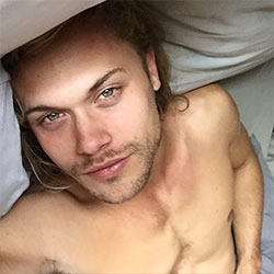 Male Model Christopher Mason, Selena Gomez's Hunk In Her Latest Video, Nude Photos Leaked!