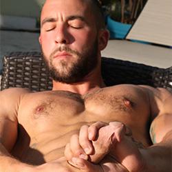 Riley (Ryan) Reynolds Naked!!