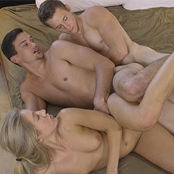 Amateur College Sex: Rocky's Bi 3 Way