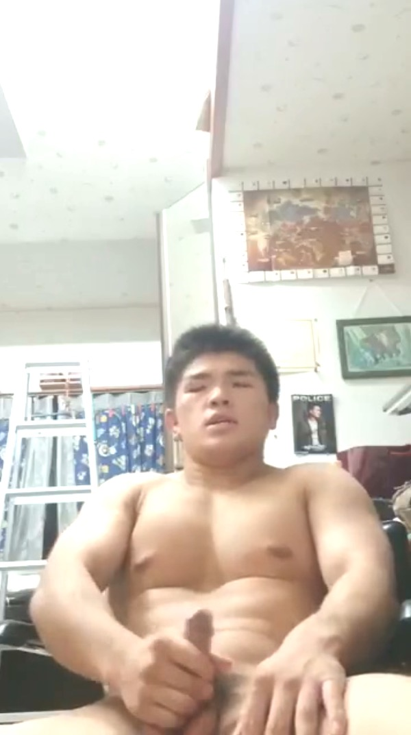 ss-judo-hunk-jerk-off-02