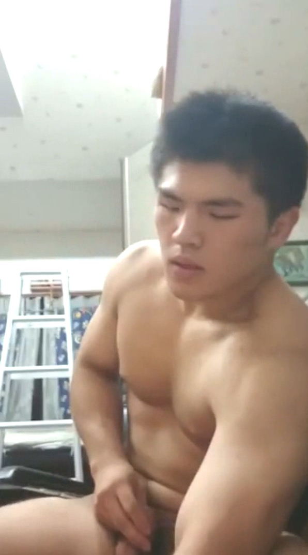 ss-judo-hunk-jerk-off-03