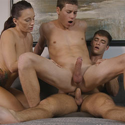 Amateur College Sex: Breaking In Beau