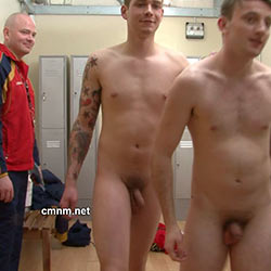 CMNM.net – Footballers Naked in the Locker Room