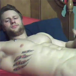 Insanely Handsome Guy Cums On His Abs