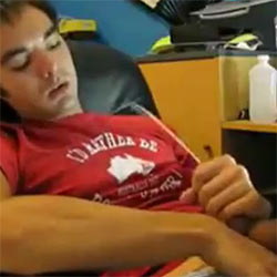 Horny College Guy Makes His T-Shirt Wet With Hot Cum!