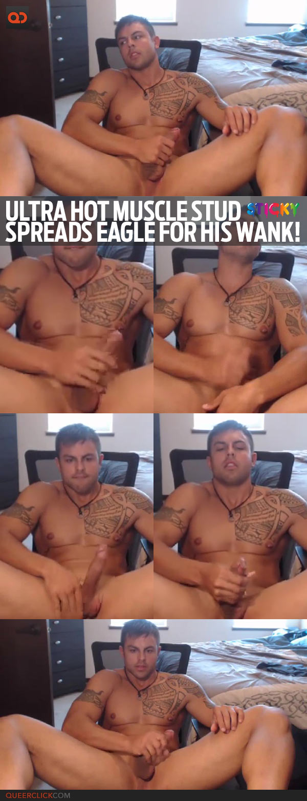 Ultra Hot Muscle Stud Spreads Eagle For His Wank!