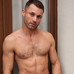 Lucas Kazan: James